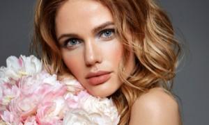Mit tehet bőröd szépségéért a damaszkuszi rózsa?